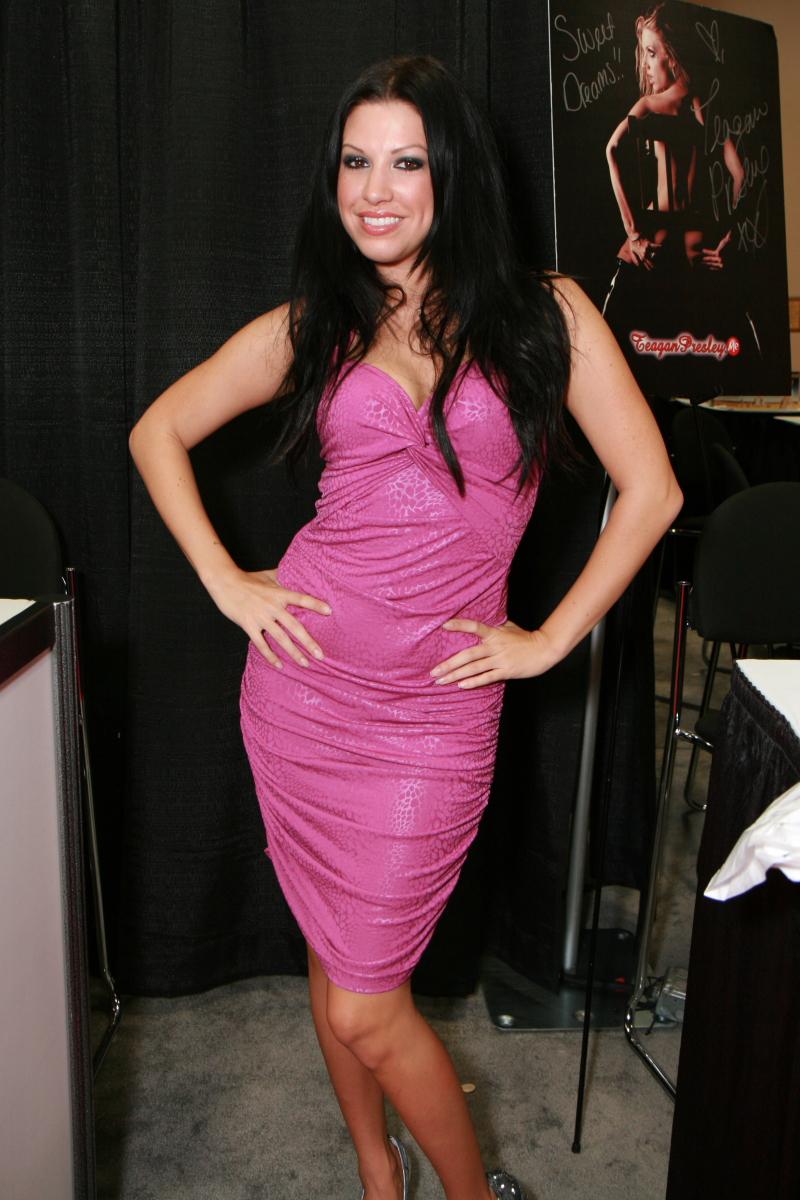 Roxy DeVille Nude Photos 59