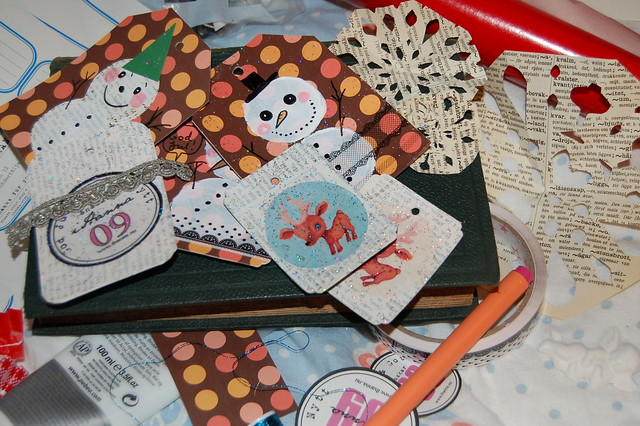 Make Smiling Snowmen Gift Tags