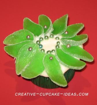 Christmas Cupcake Idea wwwcreativecupcakeideascom