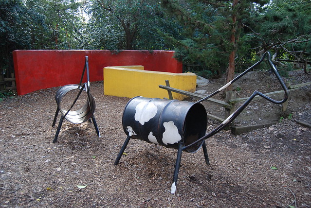 Barrel animals