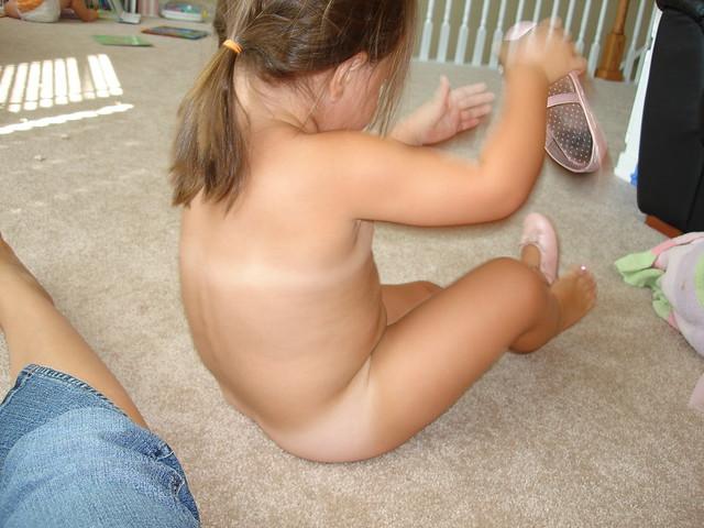 Nudist elwebb enature