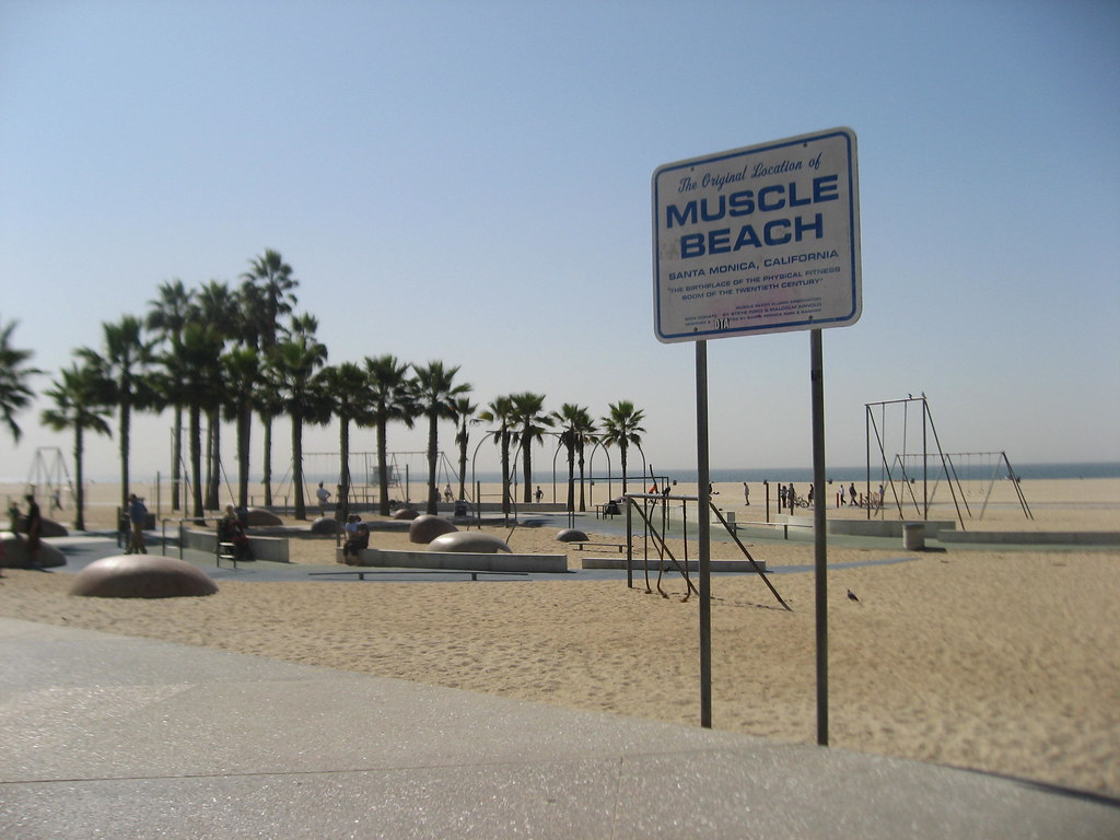 santa monica pier muscle beach