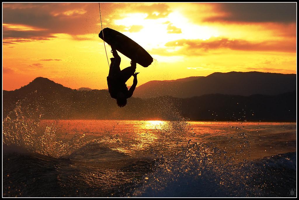 Wakeboarding Art by arturodonate