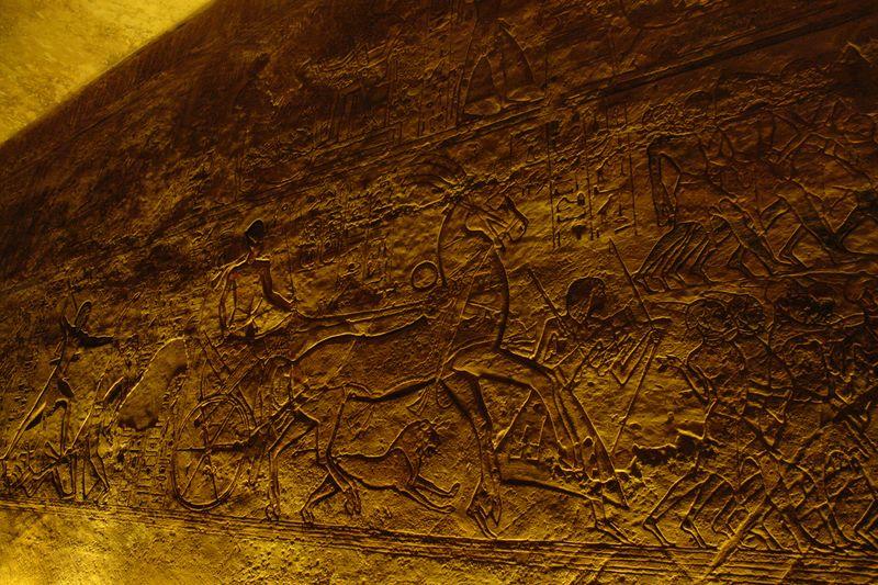 Grabados que representan escenas de las victorias egipcias en Libia, Siria y Nubia. Abu Simbel, el templo de las dos vidas - 2473748379 638cab85b4 o - Abu Simbel, el templo de las dos vidas