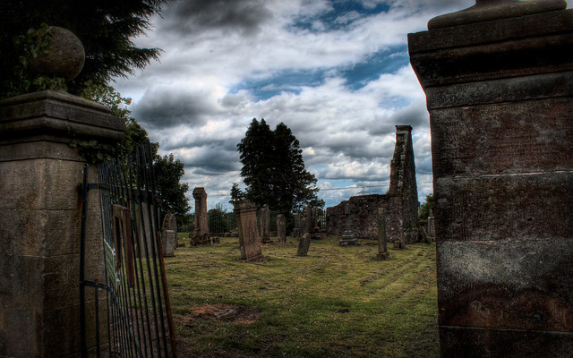 Glassford Graveyard