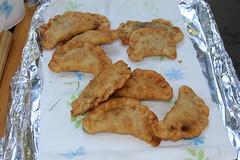 fish(0.0), batter(0.0), baked goods(0.0), meat(0.0), egg roll(0.0), fritter(0.0), meal(1.0), fried food(1.0), pakora(1.0), produce(1.0), food(1.0), dish(1.0), dessert(1.0), cuisine(1.0), snack food(1.0),