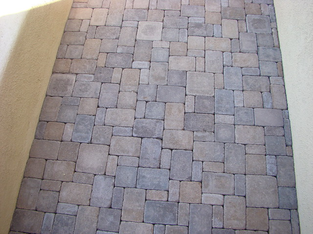 INSTALLATION AND PATTERN GUIDE FOR CONCRETE PAVERS