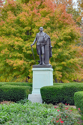 Lafayette Square Neighborhood, in Saint Louis, Missouri, USA - Lafayette Park - statue of President George Washington