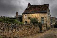 La vieille maison dans le vieux village