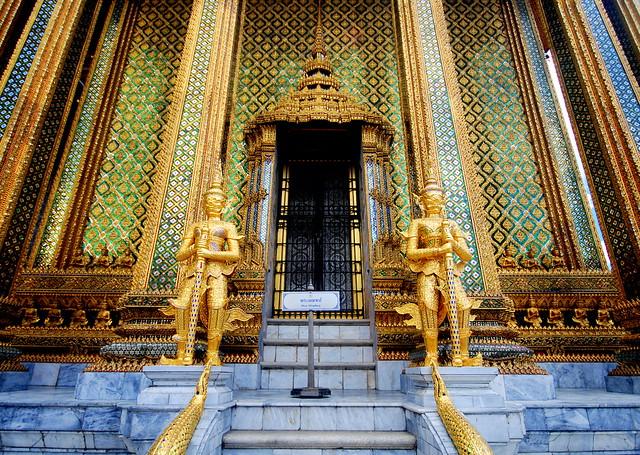Grand Palace (Bangkok, Thailand)  The Grand Palace (Thai: พ…  Flickr - Phot...