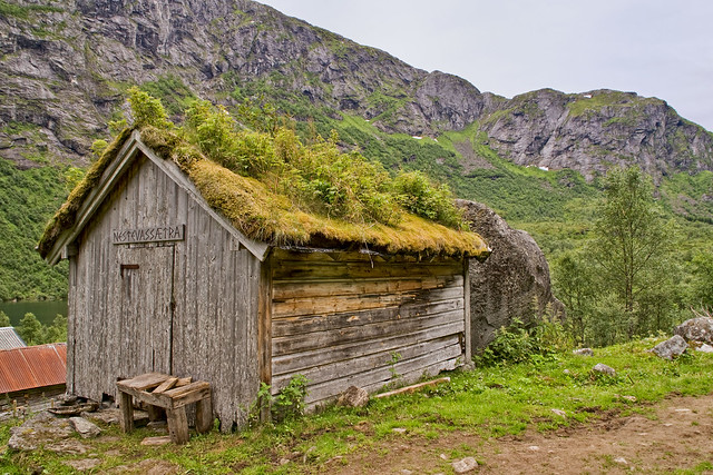 A House With A Grass Roof A Gallery On Flickr