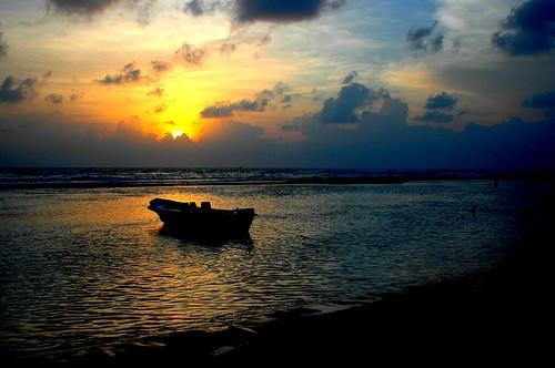 sunset indianocean tsunami srilanka soe naturesfinest imagequality golddragon justclouds mywinners abigfave platinumphoto anawesomeshot ysplix theunforgettablepictures natureselegantshots rubyphotographer grouptripod beruwelabeach