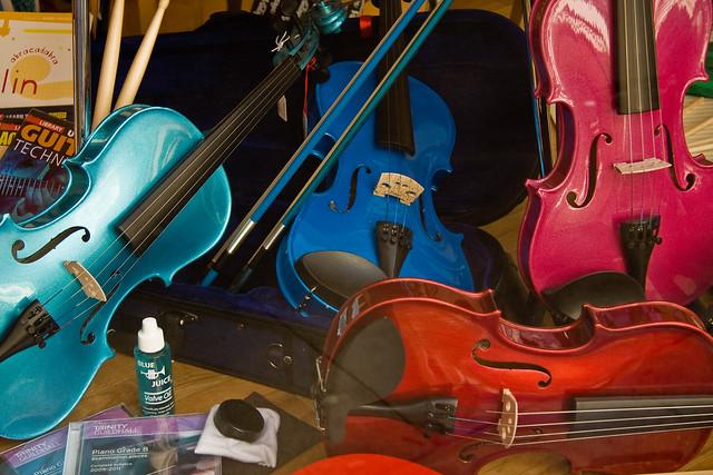 Кольори музики. Наші емоції здатні підбирати колір до музичних творів.