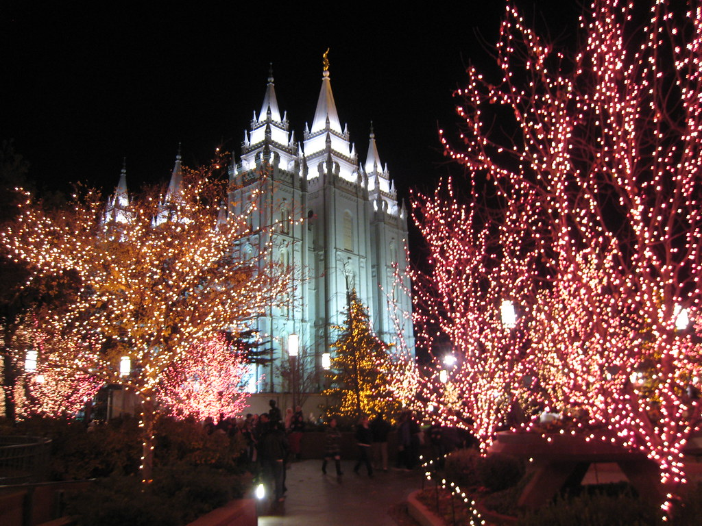 The Trumpet Stone: Christmas at LDS Temples