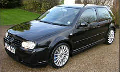 volkswagen golf variant(0.0), volkswagen golf mk5(0.0), automobile(1.0), automotive exterior(1.0), wheel(1.0), volkswagen(1.0), vehicle(1.0), rim(1.0), volkswagen r32(1.0), volkswagen gti(1.0), volkswagen golf mk4(1.0), city car(1.0), bumper(1.0), land vehicle(1.0), hatchback(1.0), volkswagen golf(1.0),