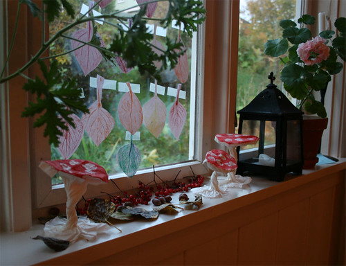 Our nature table - autumn