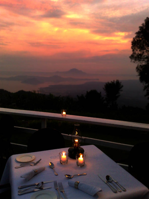 A Quiet Dinner at Tagaytay