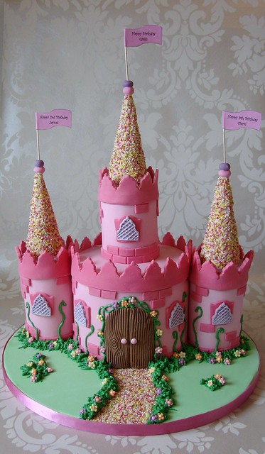 Images Of Castle Birthday Cake : Princess Castle Cake Flickr - Photo Sharing!