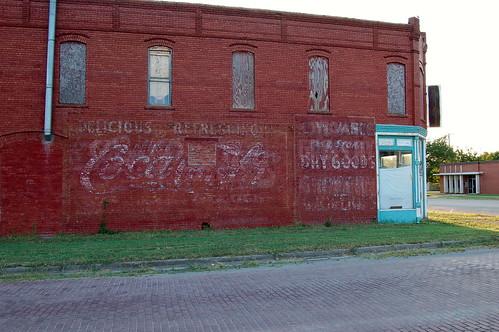 soda kansas cocacola softdrink montgomerycounty wall advertisement us169 cherryvalekansas