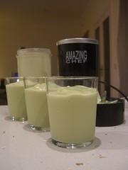 Avocado, milk, condensed milk and ice smoothies - Amazing Chef food processor