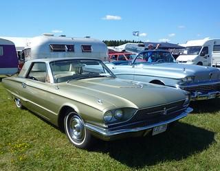 Green Ford Thunderbird Coupé 1966