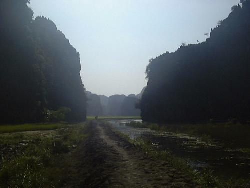 v_nhin_bhin_Road_less_traveled