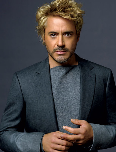 Sexy Robert Downey Jr. Isn't he incredibly sexy ?