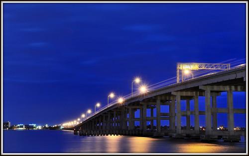 longexposure bridge blue sky weather night lights downtown traffic flor bluehour leecounty caloosahatcheeriver d90 nikkor18200mmvr downtownfortmyers nikond90 caloosahatcheebridge