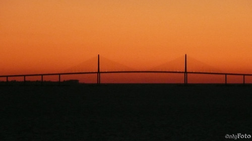 bridge cruise carnival sunset sunshine tampa lumix december florida panasonic fl 2008 legend skyway f49 nègfoto negfoto