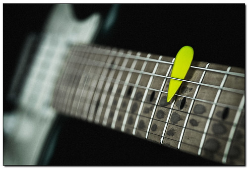 Yellow pick