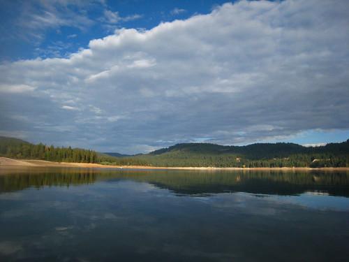 lake reflection fall clouds norcal nevadacounty scottsflatlake
