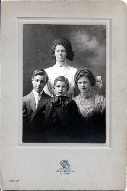 Emily, Carl, Louis, Ester Lentz around 1910