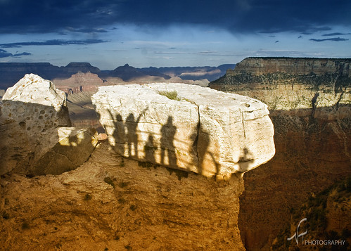 Casting shadows at the Grand Canyon