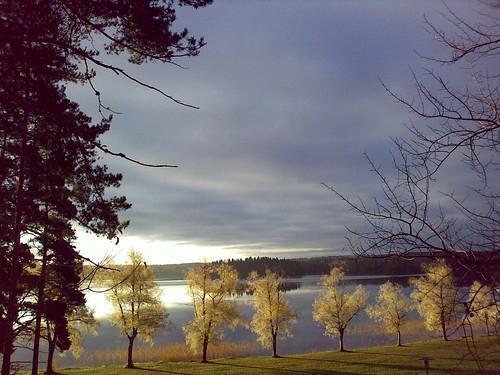 cameraphone travel lake sunrise finland celltagged geotagged zonetag nastola pajulahti geo:country=finland zip15560 geo:city=nastola geo:zip=15560 cell:cgi=2440523910733466 geo:lat=60968966 geo:lon=25942976
