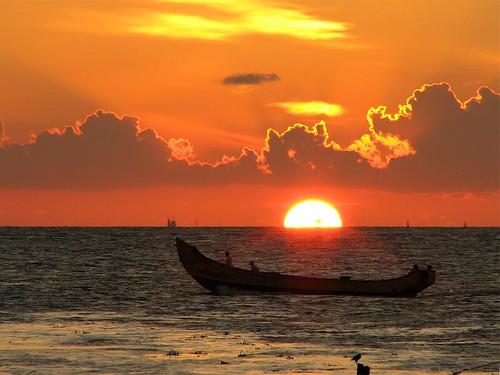 sunset sky cloud sun india silhouette clouds canon kerala s2is setting cochin kochi greatphoto sangeeth fortkochi blueribbonwinner fortcochin