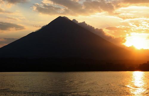travel nature sunrise volcano earlymorning nicaragua lakenicaragua concepcionvolcano cocibolca ometepeisland weclimbedthisbadboy