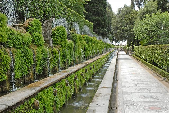 L'allée aux Cent-Fontaines (Tivoli)