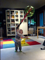 jedi training   balloon and light saber   DSC00805