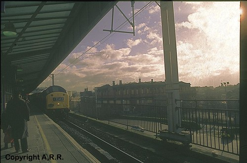 English Electric Class 40 Diesel Train No . 40145 : : Manchester Piccadilly : England :