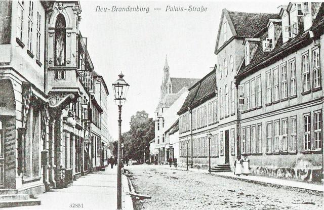 Neubrandenburg Palaisstraße historisch Postkarte