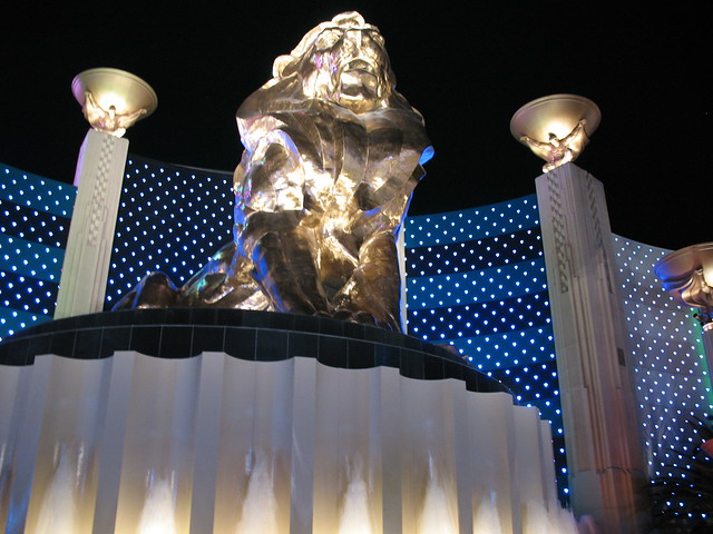 2526517751 6f73365304 for Garden statues las vegas nv
