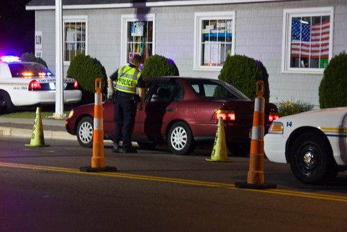 DWI Checkpoint in New Haven, CT by https://www.flickr.com/photos/versageek/