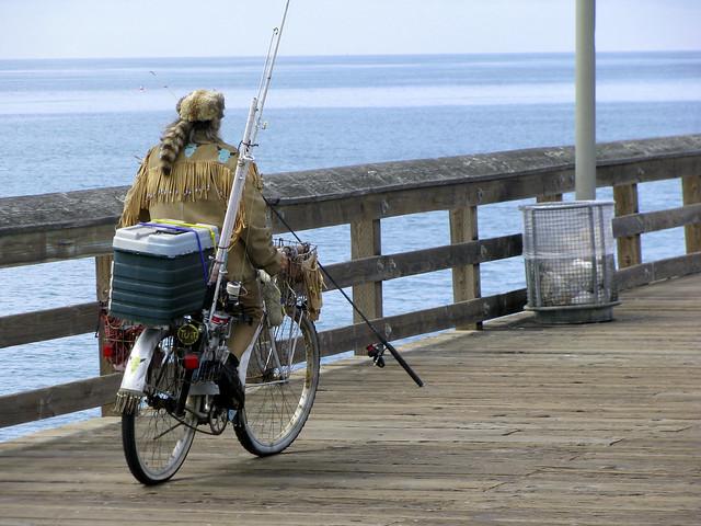 Fisherman 5 25 08 a homeless fisherman on ventura pier for Ventura sport fishing
