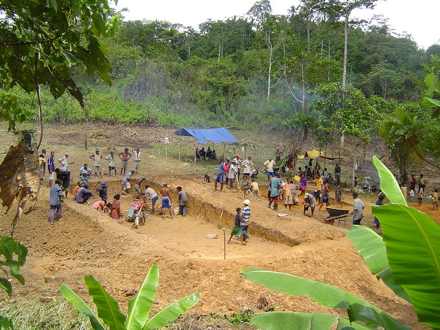Fishing Pond Construction In Papua New Guinea Childfund