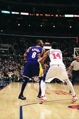 Kobe Bryant .vs Shaun Livingston 2/24/06