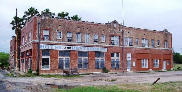 Artesian Wells Sports Tavern Cement City Mi