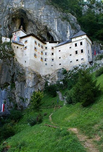 travel viaje castle geotagged slovenia slovenija grad castillo eslovenia predjama luciojosémartínezgonzález luciojosemartinezgonzalez almostanything globalbackpackers geo:lat=458157655555507 geo:lon=141272705555624