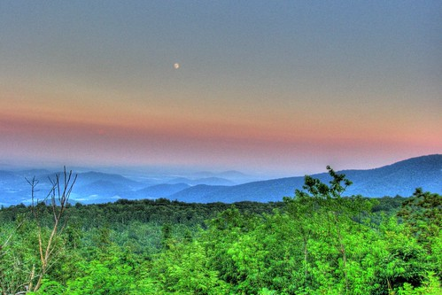 park usa moon mountains virginia unitedstates south northamerica blueridgemountains hdr skylinedrive appalachianmountains shenandoahnationalpark southernunitedstates rappahannockcounty protectedarea 7px mountmarshall northernsection hogwallowflatsoverlook northmarshall northernblueridge northernblueridgesubprovince blueridgeprovince givemeratings35