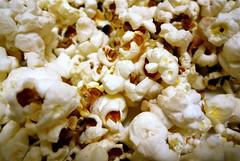 flower(0.0), produce(0.0), kettle corn(1.0), food(1.0), snack food(1.0), popcorn(1.0),
