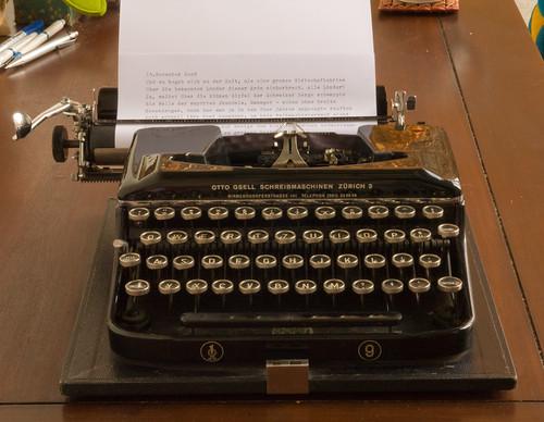 Erika 9 typewriter